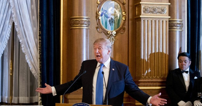AP FACT CHECK: Trump on 'phenomenal' economy, auto trade