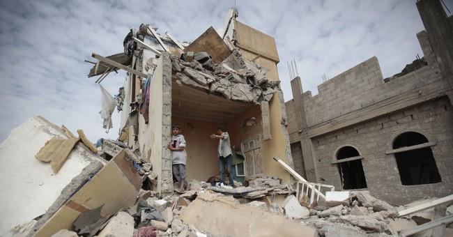 Saudis blame missile on Iran, tighten blockade on Yemen