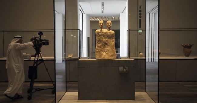France's Macron, Arab leaders unveil Louvre Abu Dhabi