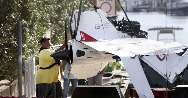 Halladay was flying plane low, witnesses tell safety board