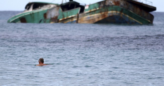 Hawaii boat wreck shows eco-risk of fishing fleet practices
