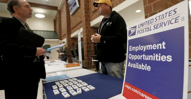 Applications for US unemployment benefits edge up by 10,000