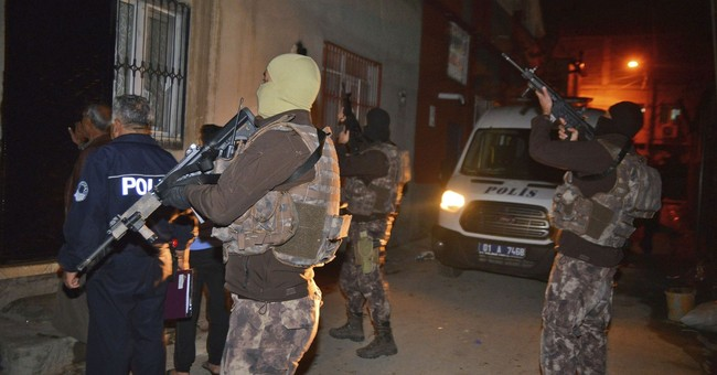 Turkish police detain at least 100 Islamic State suspects