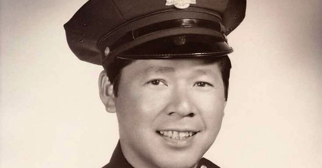 San Francisco's first Chinese-American police officer dies