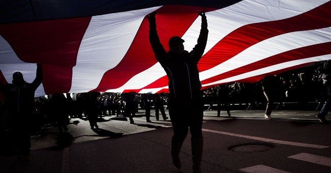 Buzz Aldrin joins New York City Veterans Day parade