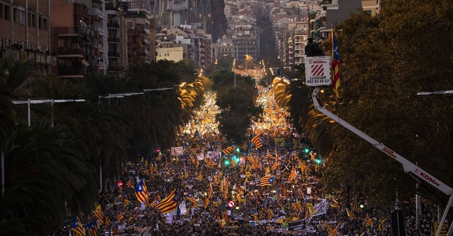 Huge rally in Barcelona demands jailed separatists' release