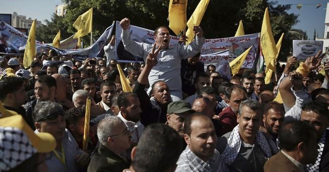 Tens of thousands mark Arafat death anniversary in Gaza