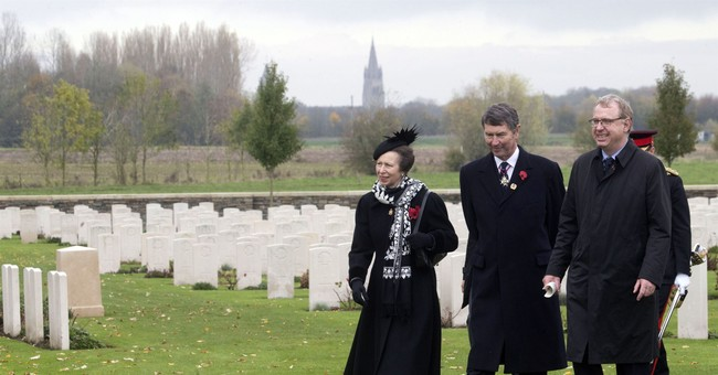Prince Charles stands in for queen at war memorial ceremony