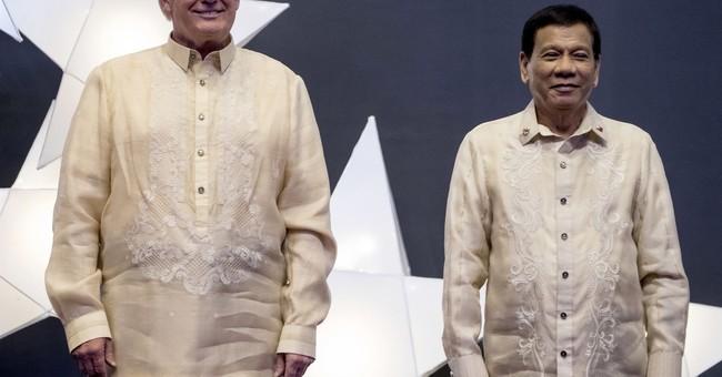 Trump does not publicly rebuke Duterte for drug war killings