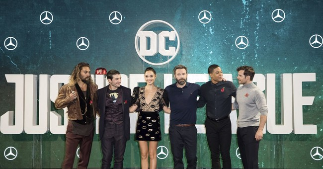 In 'Justice League,' DC looks beyond Batman and Superman