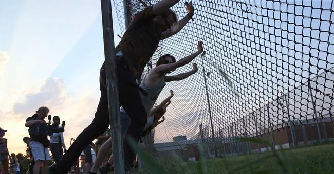 "Lawsuit cites ""inhumane"" conditions in St. Louis jail"