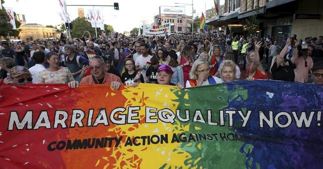 Australia senator starts gay marriage debate day after poll