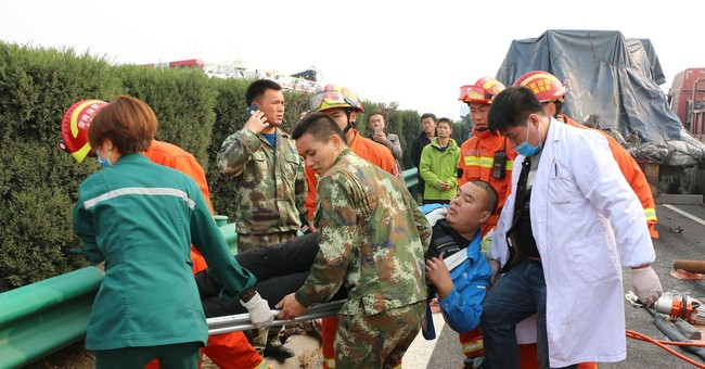 30 vehicles collide in heavy fog on Chinese highway; 18 dead
