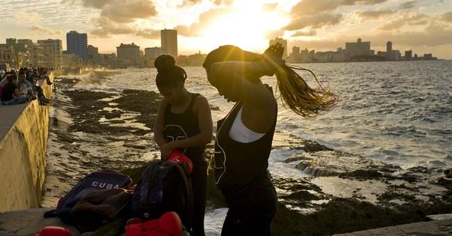 AP PHOTOS: Women demand Cuba support 1st female boxing team