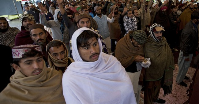 Pakistani court asks Islamists to end rally near Islamabad
