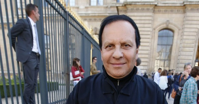 Designer Azzedine Alaia, known for clingy style, dies
