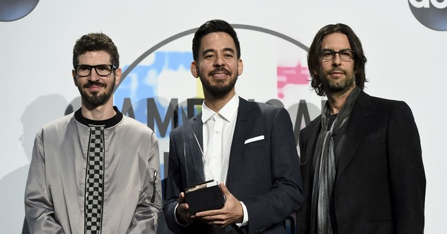 List of winners at the 2017 American Music Awards