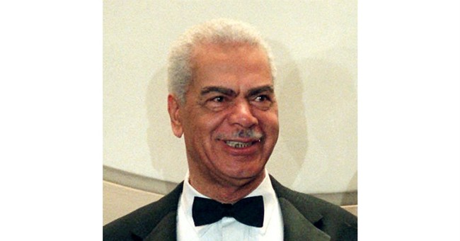 """""""Cosby Show"""" actor Earle Hyman dies at 91"""