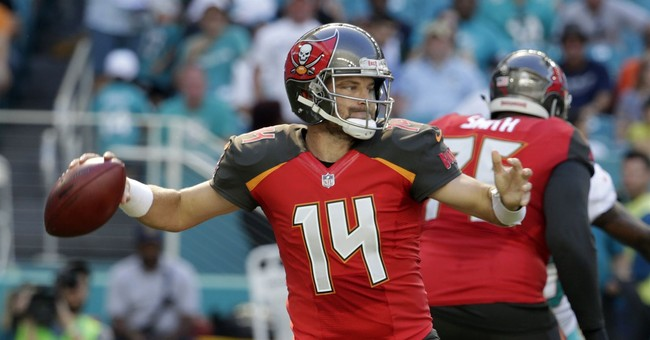 Fitzpatrick throws for 2 TDs, Bucs top Dolphins 30-20