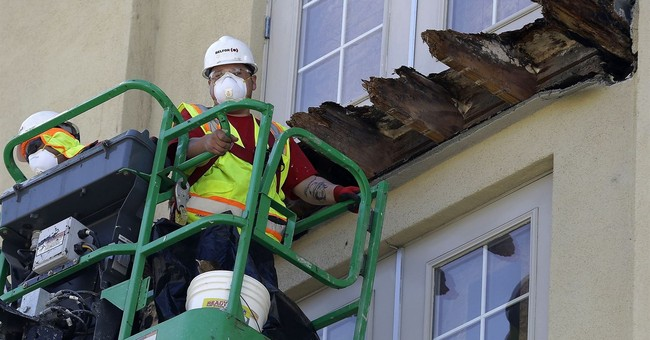 California balcony fall victims settle with building owner