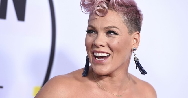 Pink: Christina Aguilera 'killed it' with AMA performance