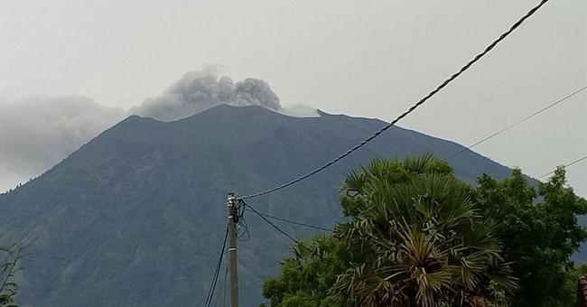 Bali volcano spews ash and steam, alert not raised