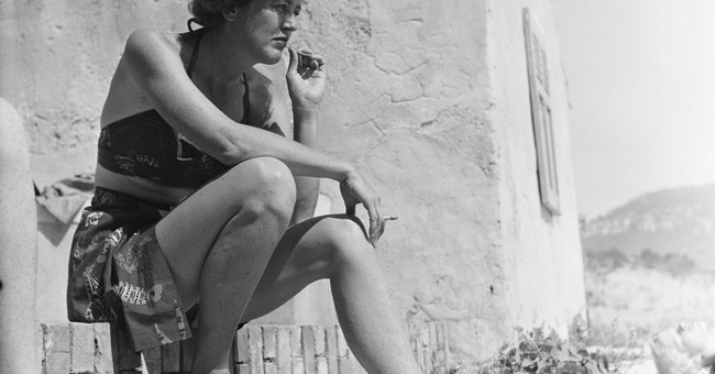 'France is a Feast': Photo exhibit celebrates Julia Child