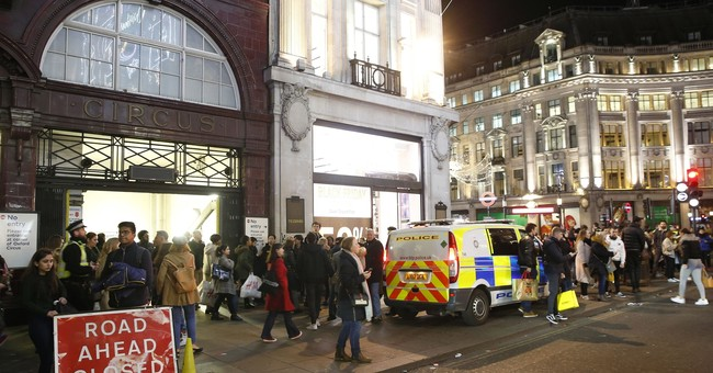 2 men questioned by UK police after panic in central London