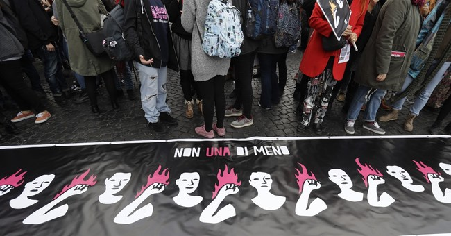 The Latest: Tense women's march in Turkey ends peacefully