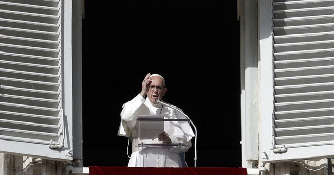 Pope holds minute of silence for Egypt mosque attack victims