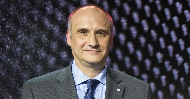 Airbus names new top salesman amid legal troubles