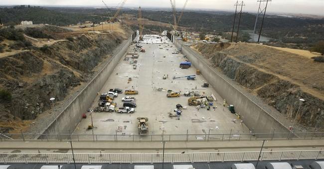 Big California dam's new spillway already has cracks in it