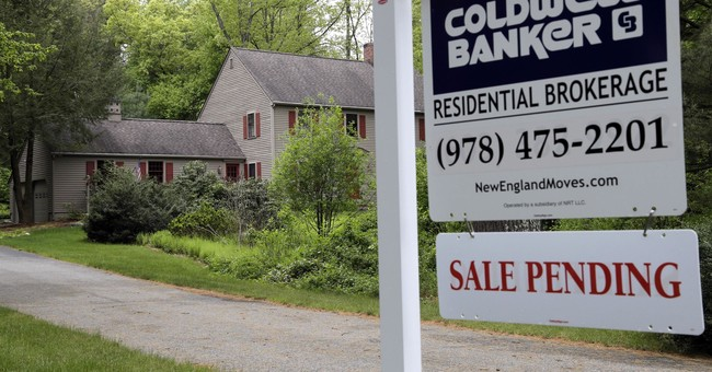 US pending home sales surged 3.5 percent in October