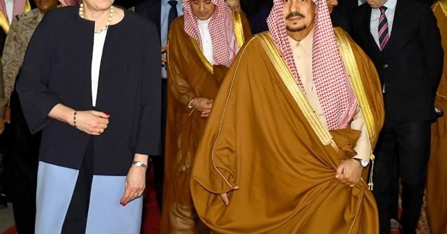 Britain PM courts key Arab ally, amid Trump anti-Muslim row