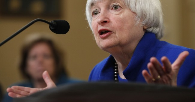 Yellen suggests a continuation of gradual rate hikes