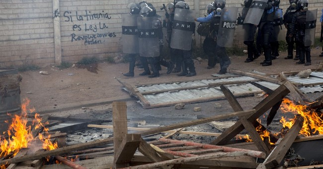 Protests grow as vote count in Honduras drags on