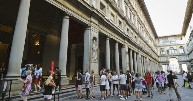 Lightning strikes Uffizi Gallery in Florence, no art damaged
