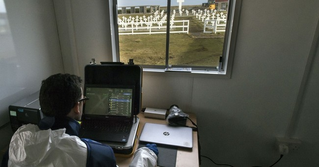 Falklands: Red Cross ID's 88 Argentine troop remains