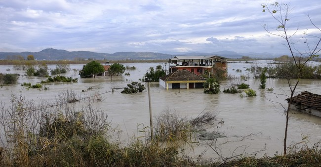 Rain slows in Albania but agricultural land still underwater