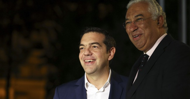 Greece buoyed by bailout talks but growth numbers disappoint