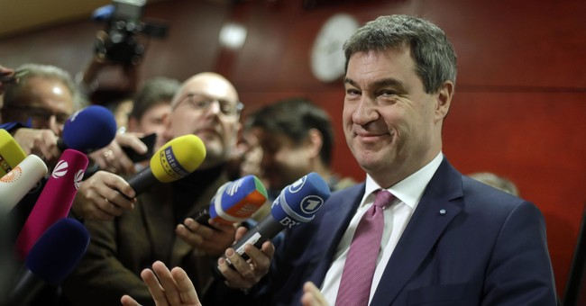 Bavarian governor to step down in German power struggle