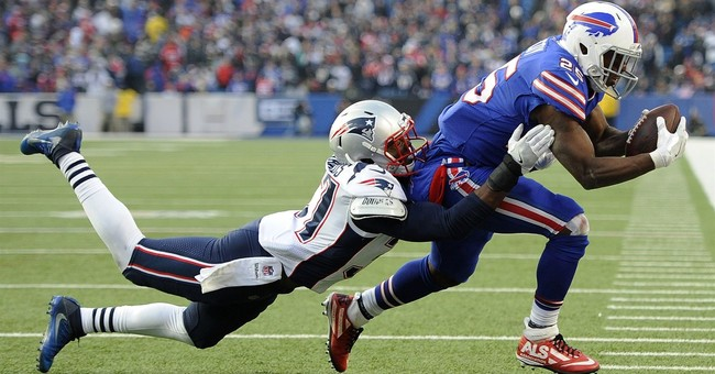 Brady, Patriots on top in the latest AP Pro32 poll