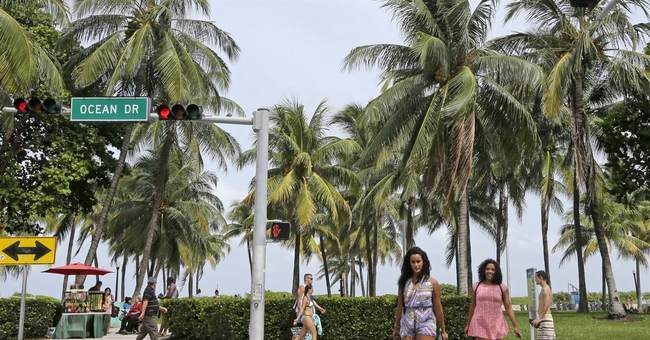 Parents and teens in South Beach on a budget: It can be done