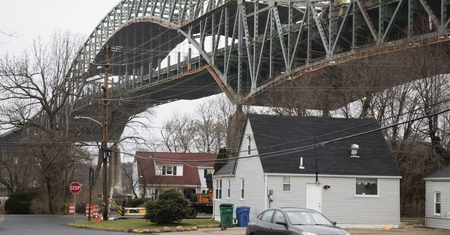 Bridge linking Pennsylvania, NJ to stay closed 2 more months