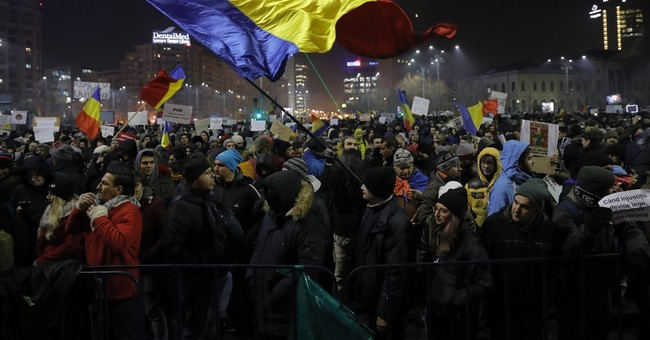 Romania's political crisis deepens over diluted graft law