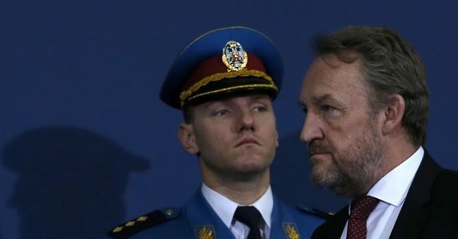 Serbia, Bosnia seek to boost ties after war crimes tensions