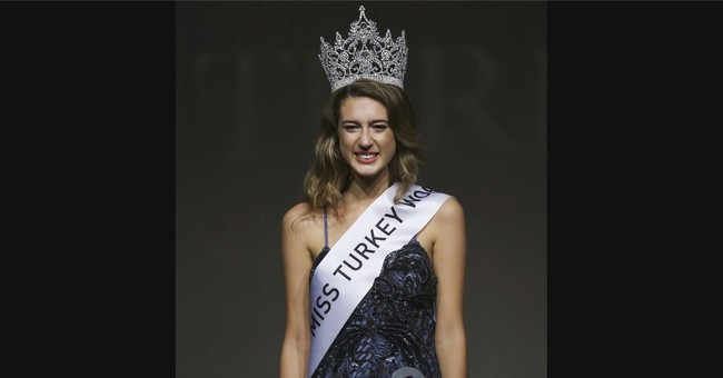 Prosecutors seek prison term for ex-Miss Turkey