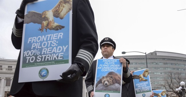 Frontier pilots demonstrate in Denver amid pay fight