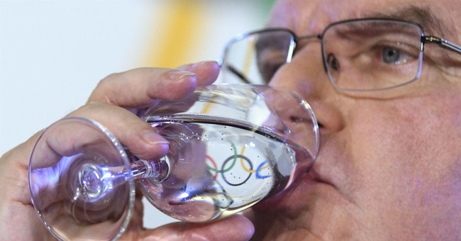 Usmanov urges IOC to let Russia flag fly at 2018 Olympics