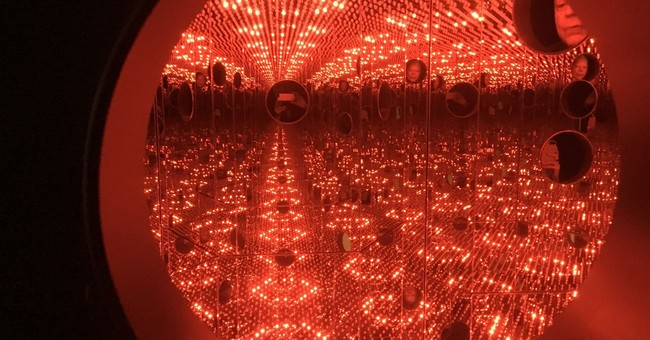 At Yayoi Kusama show, a long wait to experience infinity